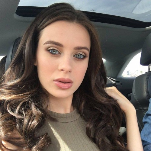 Lana Rhoades Selfie in her car