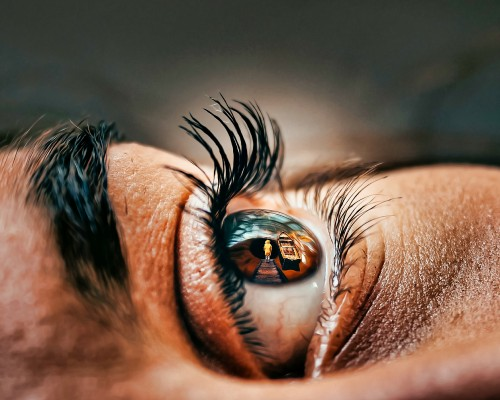 Macro-Photography-of-Eye-Depth-of-Field.jpg