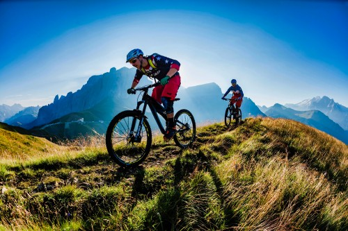 Riders-Riding-Mountain-Sport-Bicycles-2.jpg