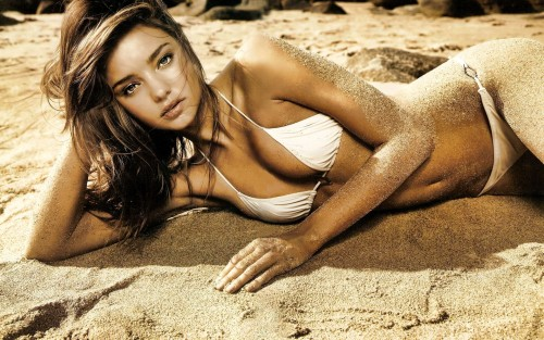 Miranda-Kerr-Female-Model-in-Bikini-at-the-Beach-3.jpg