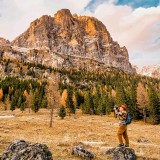 Guy-Capturing-Pictures-of-Mountain-Scenerycddd39dabe083db1